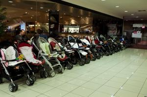 gravidez-estacionamento-carrinhos