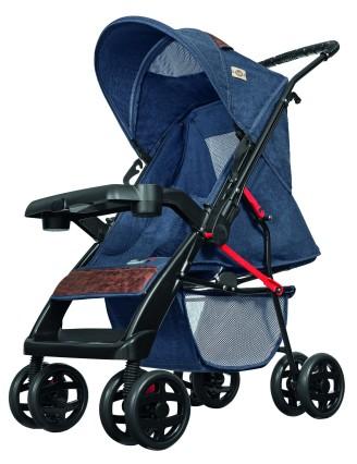 Carrinhos de bebê com revestimentos modernos, como o jeans, ou clássicos, como o xadrez, são as dicas da Tutti Baby | Imagem: Divulgação