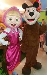 A menina e o amigo urso. Pátio Alcântara